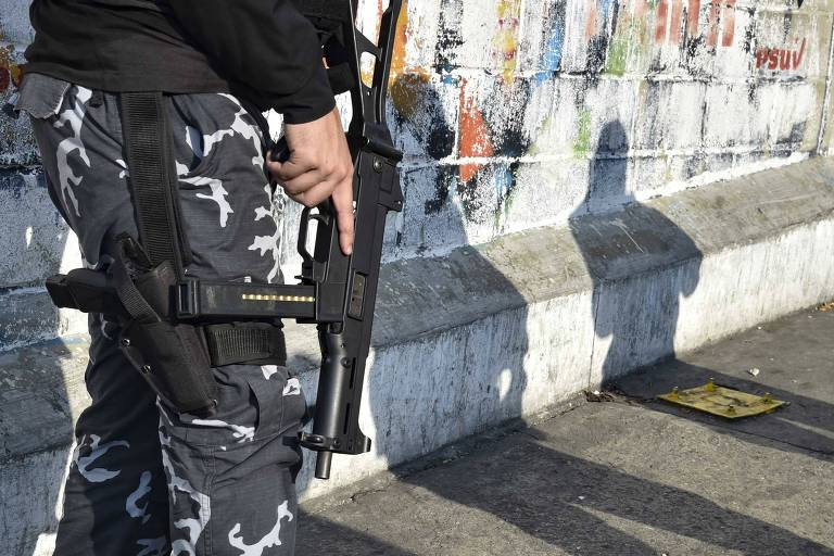 Policial das Forças de Ações Especiais (Faes), comando que entrou na prisão de Acarigua e é acusado de abuso durante operações