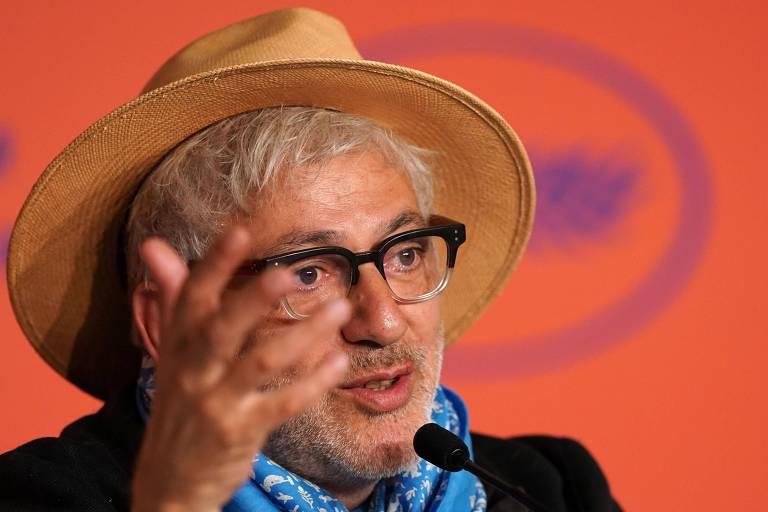"""O diretor palestino Elia Suleiman durante coletiva de imprensa do longa """"It Must Be Heaven"""", na 72ª edição do Festival de Cannes"""