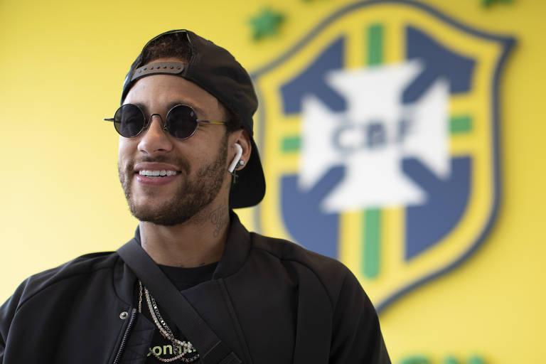 Neymar se apresenta à seleção para a Copa América