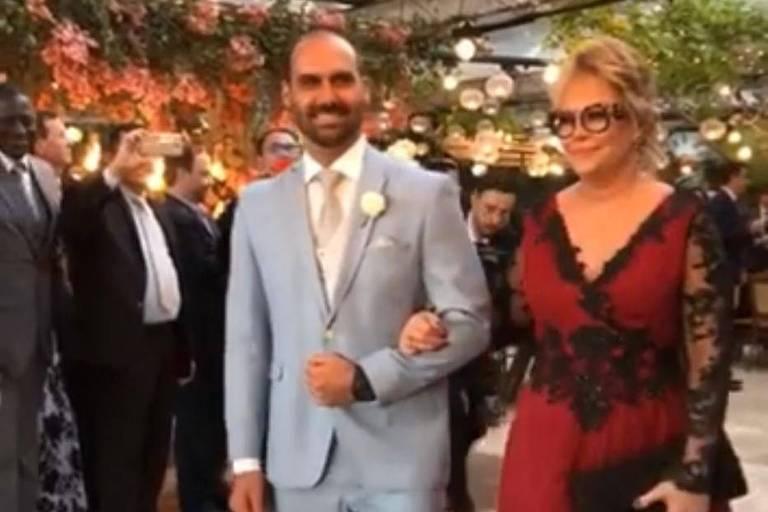 Eduardo Bolsonaro se casa com a psicóloga Heloísa Wolf