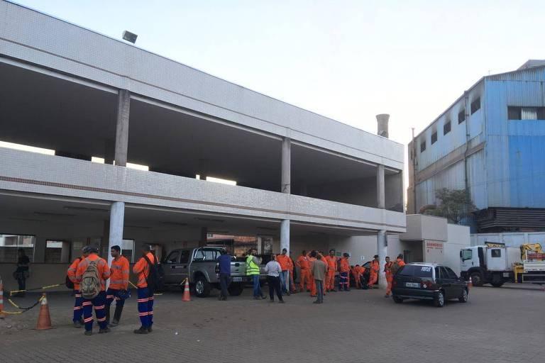 Um dos pontos de encontro, para caso de rompimento de barragem, em Barão de Cocais (MG)