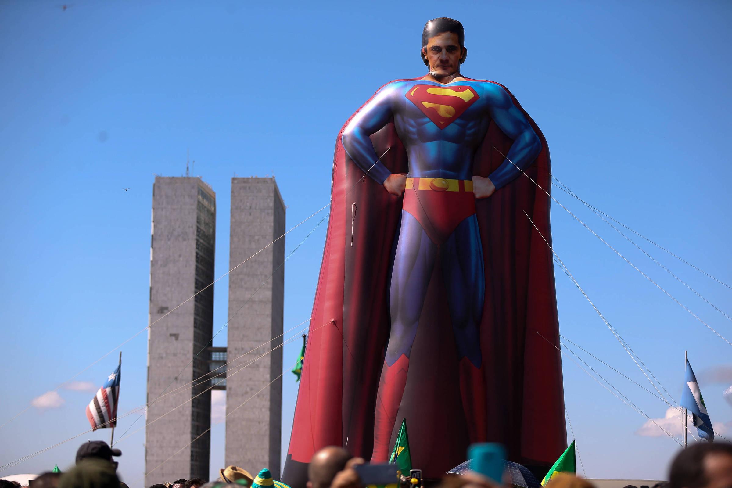 Os apuros do Super-Homem - 15/06/2019 - Alvaro Costa e Silva - Folha
