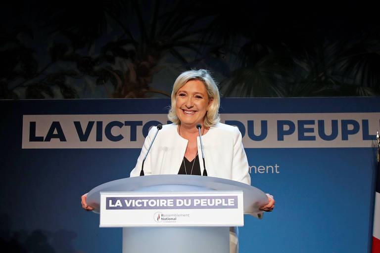 Marine Le Pen, à frente do partido de extrema-direita francês, que recebeu o maior número de cadeiras na eleição do Parlamento Europeu