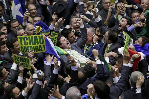 Member of the Lower House of Congress, Bruno Araujo (C) celebrates with fellow congressmen after his vote in favor of the impeachment of President Dilma Rousseff was enough to confirm the process, in Brasilia, Brazil April 17, 2016. REUTERS/Ueslei Marcelino TPX IMAGES OF THE DAY ORG XMIT: SRR98