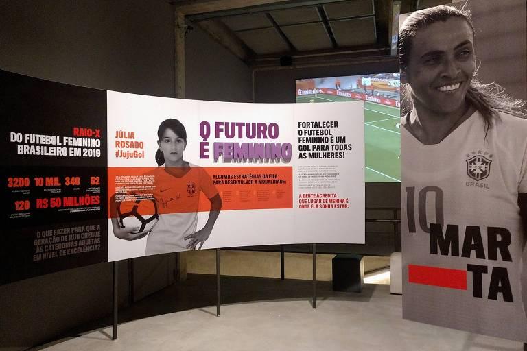 """A brasileira Marta, claro, é um dos destaques da exposição """"Contra-Ataque"""", no Museu do Futebol"""