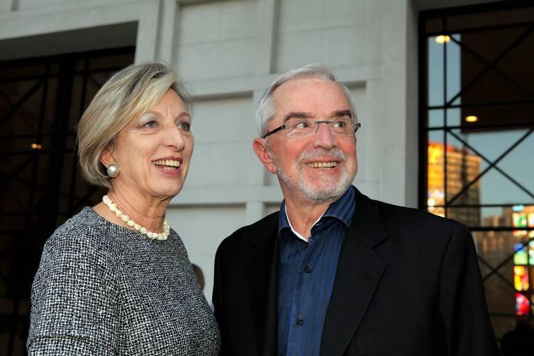 O estilista Rui Spohr com a mulher Doris Spohr