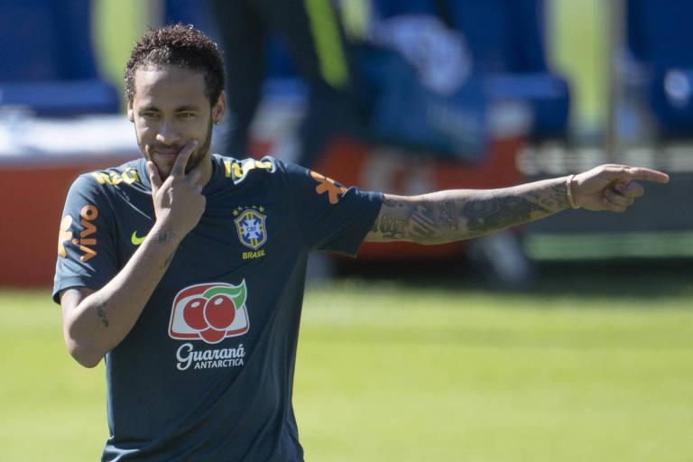 Neymar durante treino da seleção em Teresópolis