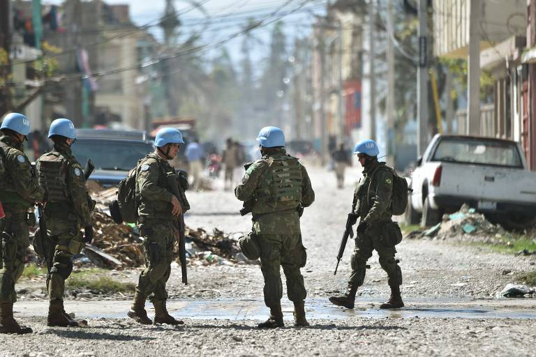 Prioridade para militares, presença do Brasil em missões de paz despenca