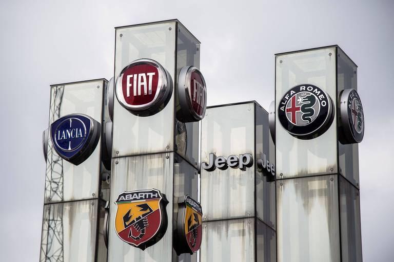 Logos das marca da FCA em Turin, onde fica a sede da montadora