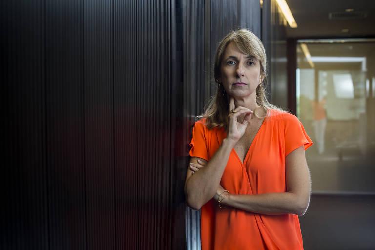 A advogada Dora Cavalcanti, que faz parte do The Innocence Brasil, em seu escritório em São Paulo