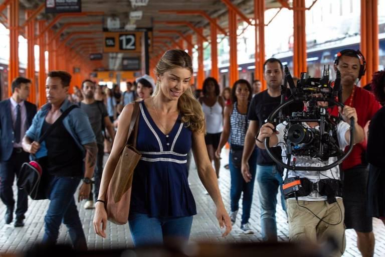 Grazi Massafera grava cena de 'Bom Sucesso' na Central do Brasil