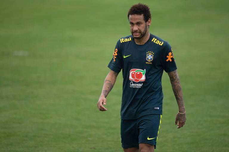 Neymar durante treino da seleção no último dia 25, na Granja Comary