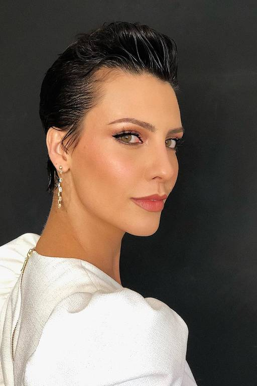 Imagens da atriz Camila Rodrigues
