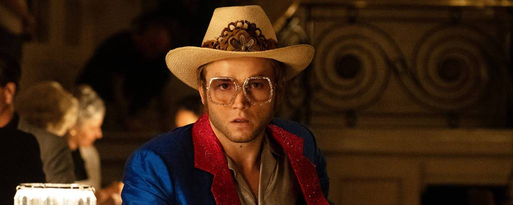 Taron Egerton como Elton John em