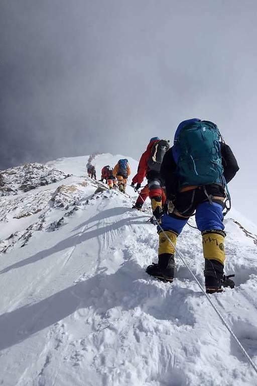 Alpinistas no Everest em 2019
