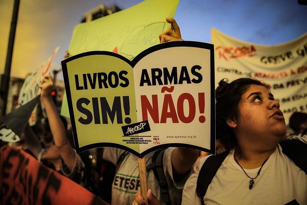 Bolsonaro quebra tradição e nomeia 2º colocado para reitoria de universidade federal