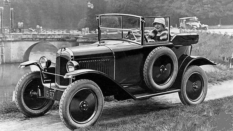 Citroën completa 100 anos