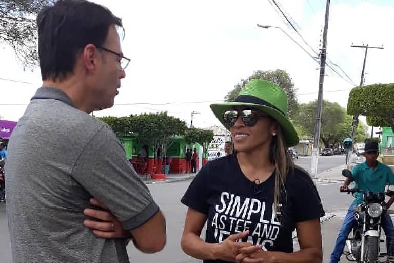 Tino Marcos entrevista a jogadora marta