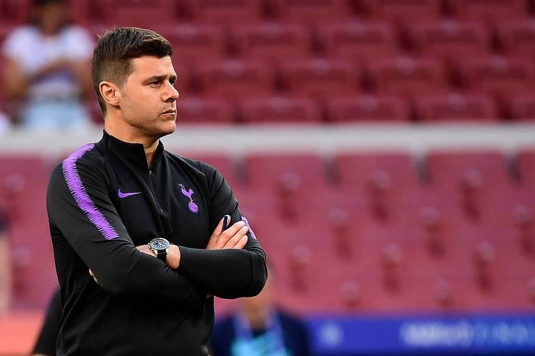 Mauricio Pochettino durante treino do Tottenham nesta sexta-feira (31), véspera da final da Champions