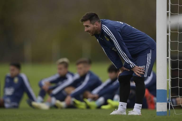 Lionel Messi durante treinamento da seleção argentina em Ezeiza, nos arredores de Buenos Aires