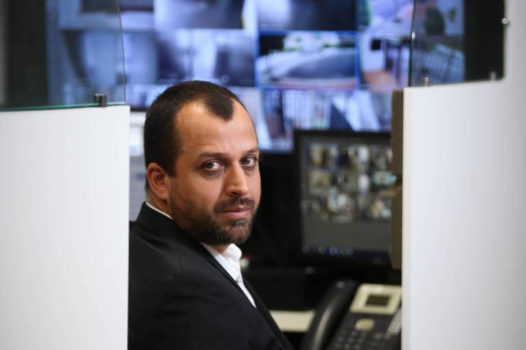 O diretor-executivo da empresa de tecnologia em segurança Peter Graber, Leandro Martins, na sede da empresa, em São Paulo