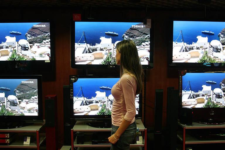 TVs analógicas em loja de eletroeletrônicos em São Paulo