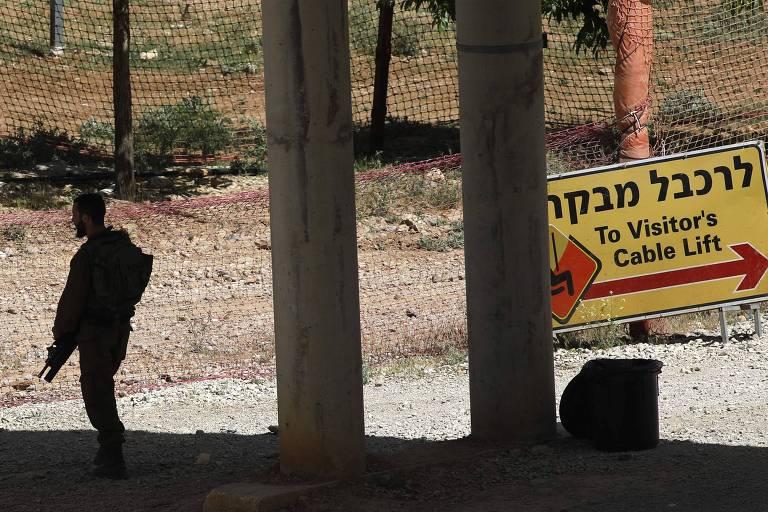 Dois ataques israelenses de mísseis matam quinze combatentes na Síria