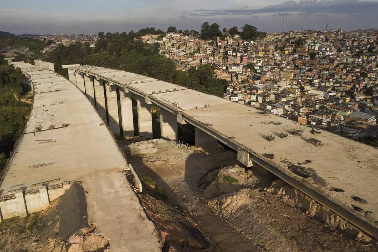 Problemas em obras do Rodonael Norte