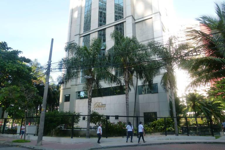 Prédio do condomínio comercial Barra Prime, na Barra da Tijuca, onde o senador Flávio Bolsonaro (PSL-RJ) chegou a ter direitos sobre 12 salas e os vendeu para a empresa MCA Participações