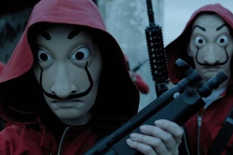 As máscaras de Dalí que os criminosos da série usam são ao mesmo tempo assustadoras e incrivelmente legais