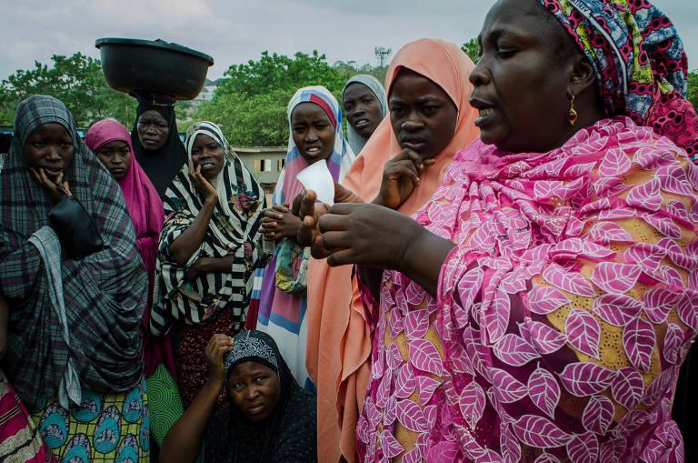 Médica cria projeto para distribuir coletores menstruais na Nigéria
