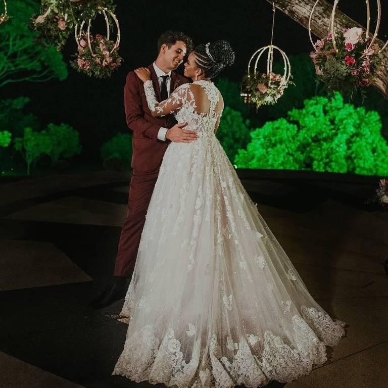 Jeniffer Nascimento e Jean Amorim se casam no religioso