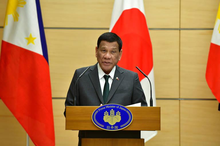 Presidente das Filipinas diz que era gay mas foi curado