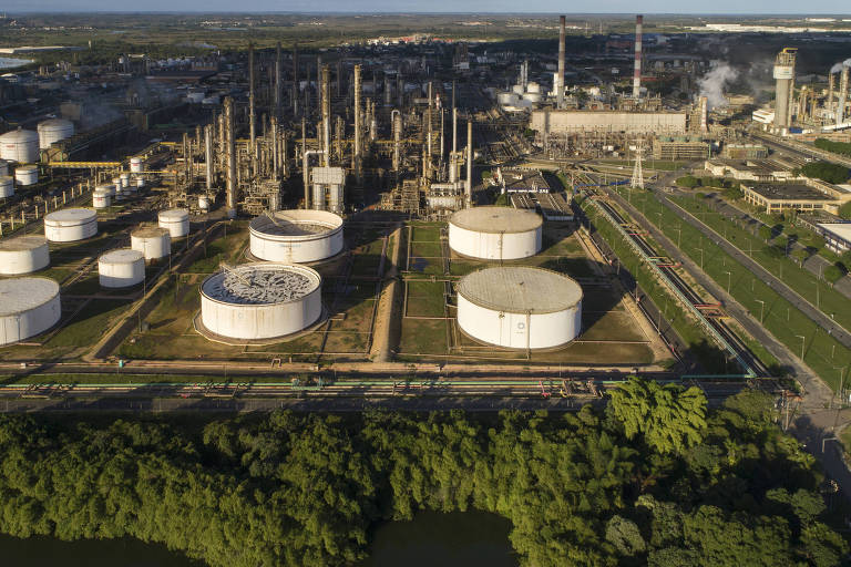 Vista aérea da petroquímica Braskem, principal empresa do complexo petroquímico no Polo Industrial de Camaçari (BA)