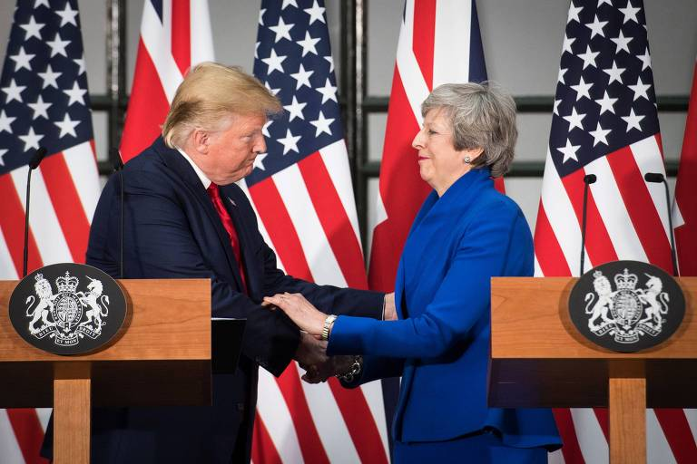 O presidente dos EUA, Donald Trump, e a primeira-ministra do Reino Unido, Theresa May, em entrevista coletiva em Londres