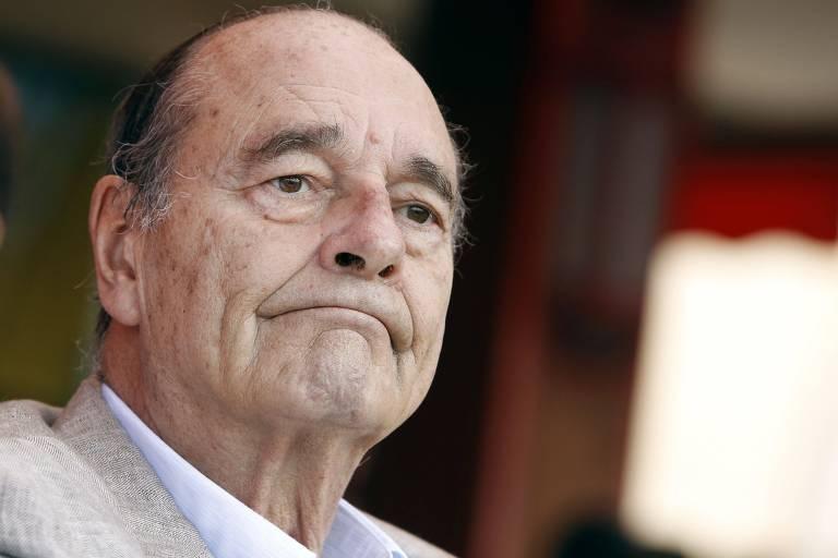 O ex-presidente francês Jacques Chirac em um café na Riviera Francesa em 2011
