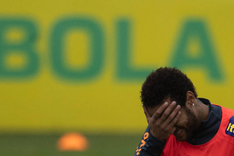 Neymar em treino da seleção brasileira que se prepara para a Copa América