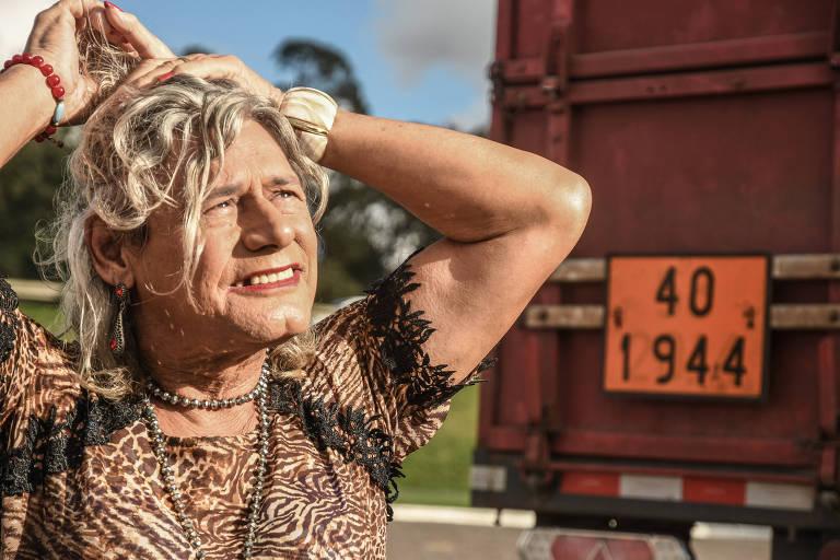 Afrodite Almeida Araújo, 70, é trans e caminhoneira; é pai e já foi pastor e militar