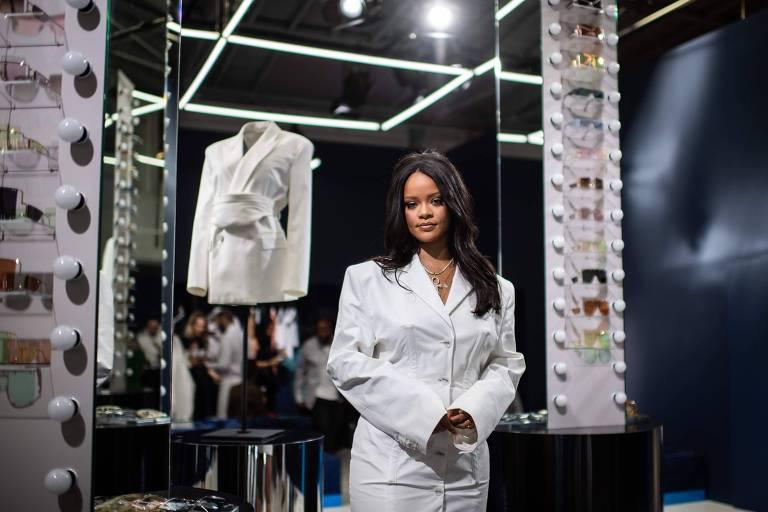 Rihanna acumula fortuna de US$ 600 milhões e se torna artista feminina mais rica da música