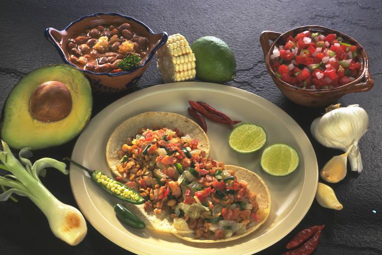 El Fogoncito reproduz receitas da matriz mexicana, caso dos Tacos al Pastor