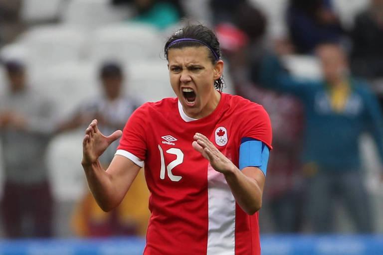 Christine Sinclair comemora gol contra a Austrália em jogo da Olimpíada de 2016, em São Paulo