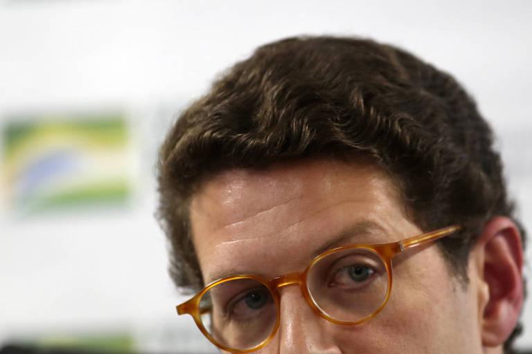 Foto da cabeça de Ricardo Salles, com foco em seus olhos