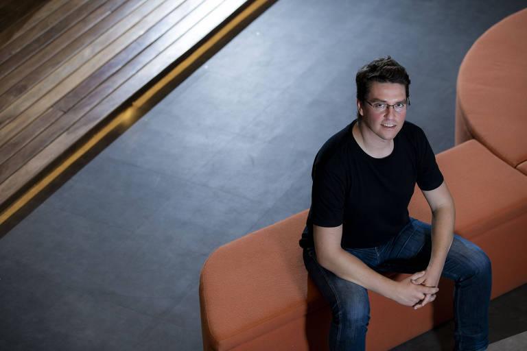Mate Pencz, criador das startups Printi e Loft, em São Paulo