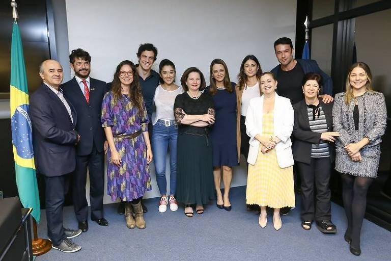 Artistas se reúnem com Rachel Dodge em Brasília para denunciar desmandos de Jair Bolsonaro contra o meio ambiente