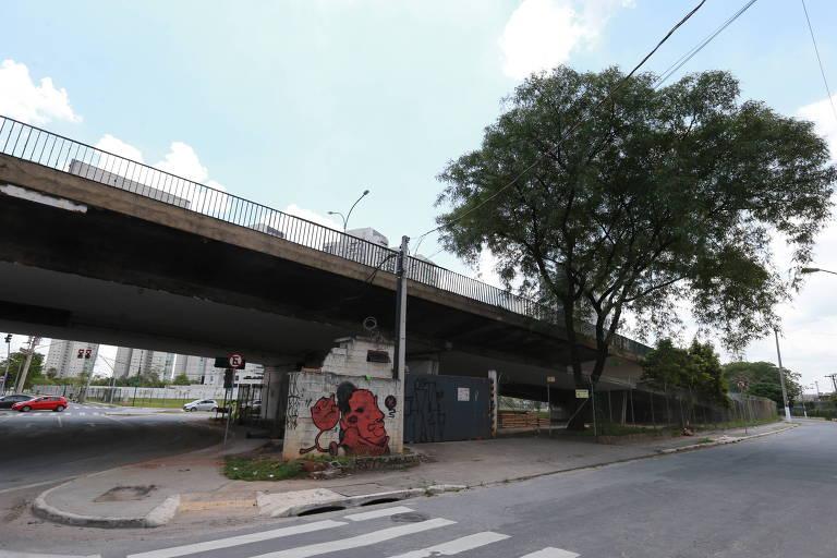 Viaduto Pompeia, na zona oeste, é um dos que a prefeitura planeja passar à administração particular