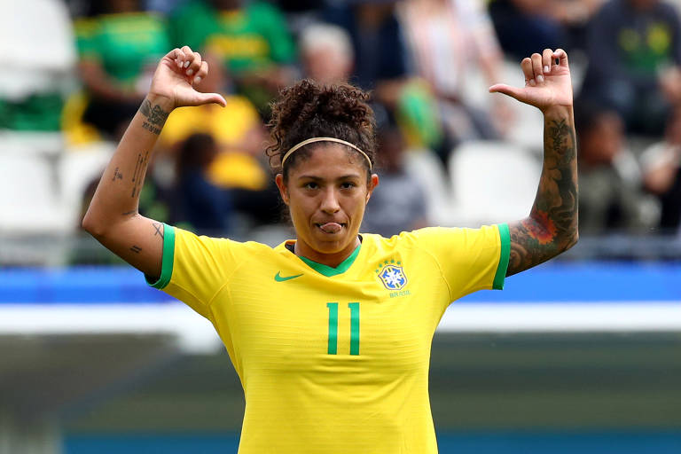 Seleção feminina estreia na Copa do Mundo