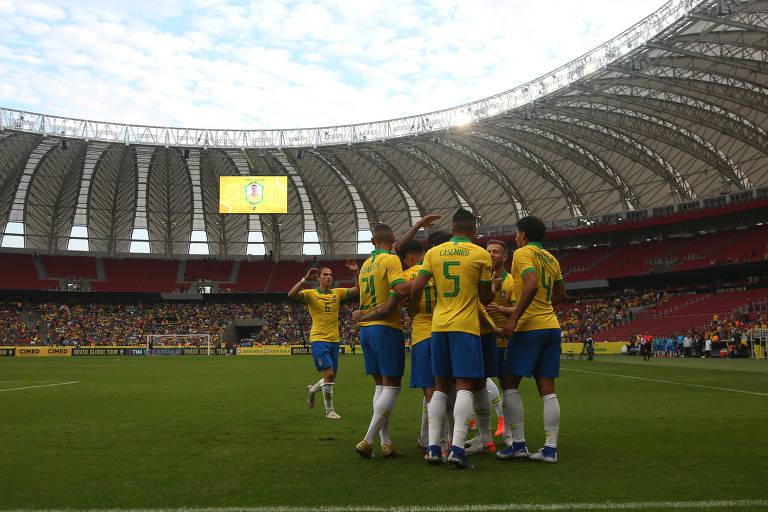 Seleção é recebida por baixa público durante amistoso contra a seleção de Honduras, no estádio do Beira-Rio, em Porto Alegre, dia 9 de junho