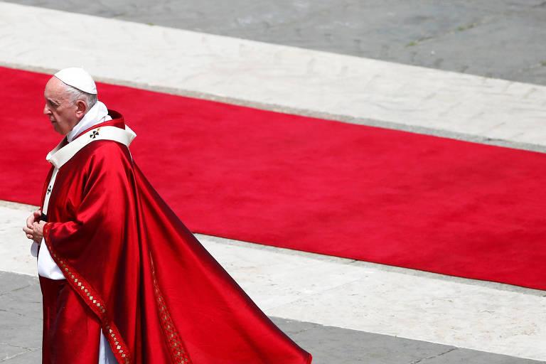O papa Francisco na praça São Pedro, no Vaticano