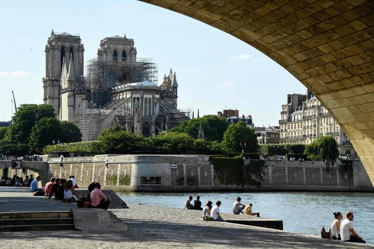 Catedral de Notre-Dame realizará primeira missa desde incêndio