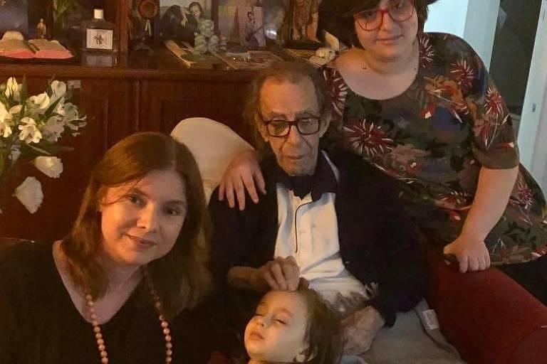 João Gilberto completou 88 anos com a família